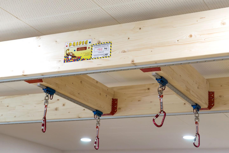 befestigung-der-kletterwand-module