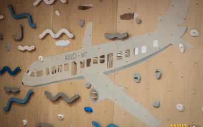 Fantasievolle Kletterwand für kleine Vielflieger
